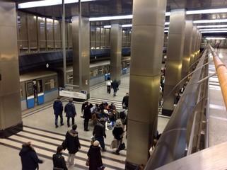 московское метро, открытие дверей поезда
