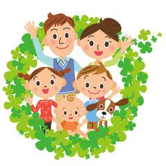 四葉のクローバーと家族