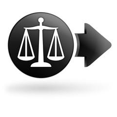 balance justice sur bouton noir