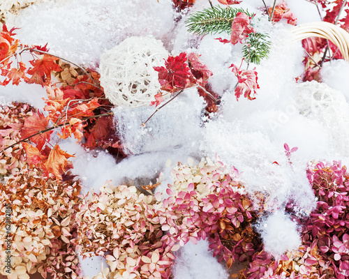 Foto op Canvas Hydrangea Bouquet from hydrangea, autumn leaves and snow.