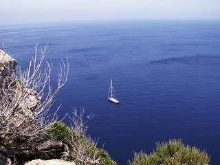 luxus yacht near to Mallorca's coast