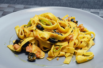 Pasta salad with tuna and black olives