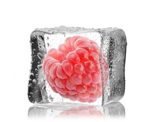 Malina w kostce lodu