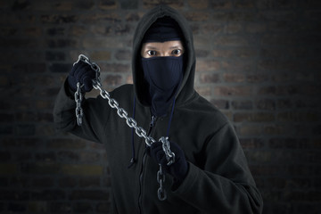 Dangerous murderer with chain