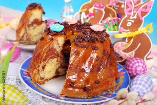 easter marble ring cake with chocolate flakes