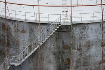 harbour silo