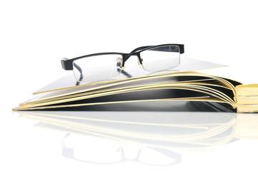 Zeitschriften mit Nerd Brille