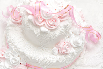 Pink and white delicious luxurious wedding cake