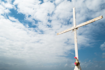 Cross with Pink Flowers (1)