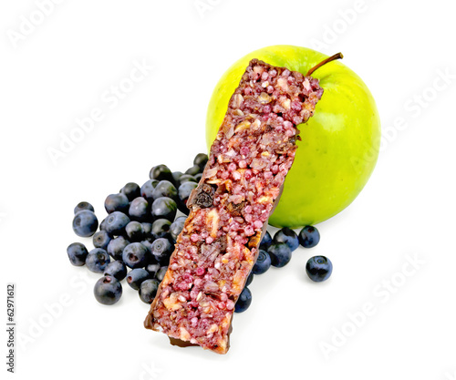 Granola bar with blueberries and apple