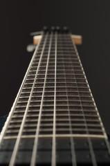 Mástil guitarra siete cuerdas. Seven string guitar. Púa. Pick