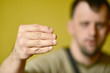 champignon a l'ongle de la main