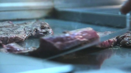 Carne arrostita sulla piastra