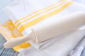 roling on kitchen towel