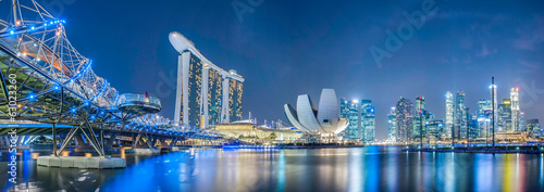 Leinwanddruck Bild Singapore city at night