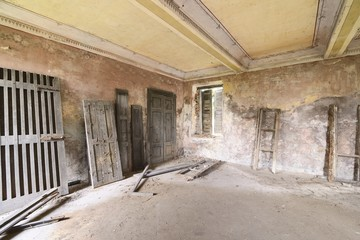 old abandoned room