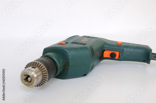 Electric drill disconnected with drill-bit