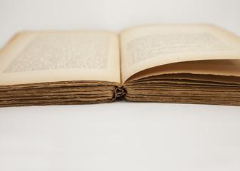 Vieux livre 1
