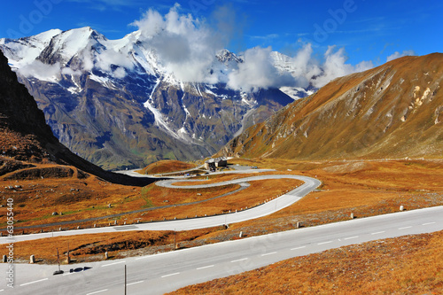 canvas print picture The Austrian Alps - Grossglocknershtrasse
