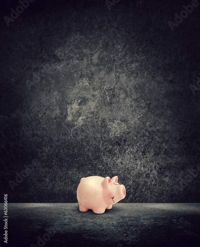 piggy bank dark room