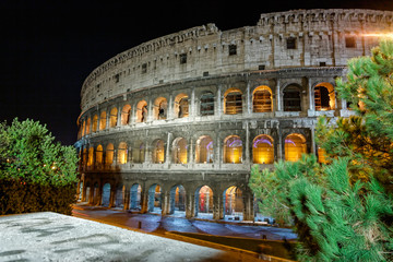 Night view of Colosseo Rome