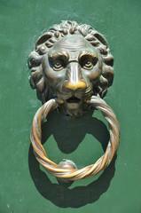 Löwenkopf Türklöpfer in Venedig