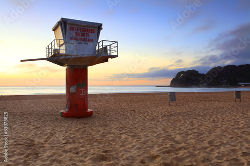 South Avoca Beach sunrise with lifeguard tower