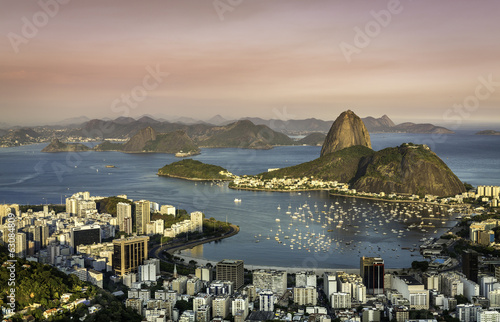 In de dag Rio de Janeiro Sunset over Rio de Janeiro Botafogo Bay