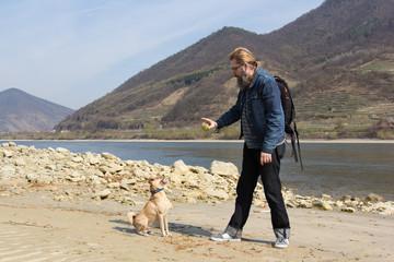 Mann und sein Hund / Wachau