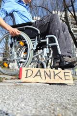 Beduerftiger im Rollstuhl