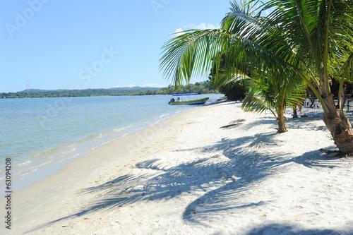 Papiers peints Amérique Centrale Beach of Playa Blanca near Livingston