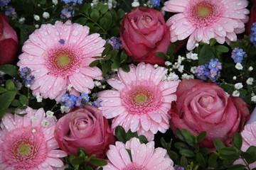 Blumen der Trauer mit Vergissmeinnicht