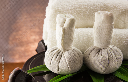 Spa herbal compressing ball with towels.