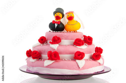 wedding cake with couple funny ducks