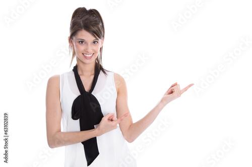 Junge schöne Frau präsentiert - isoliert schwarz weiß