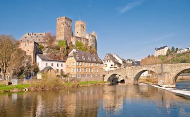 Burgruine Runkel mit alter Lahnbrücke und Burg Schadeck