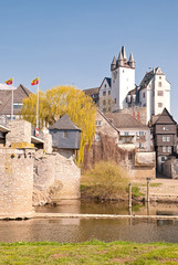 Die Altstadt von Diez mit Lahnbrücke und Grafenschloss