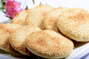 Chinese Food: Toasted Cakes with sesame seeds © bbbar