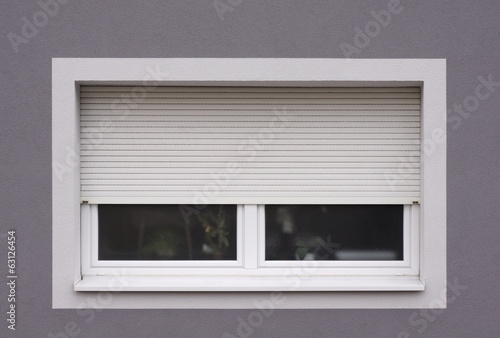 canvas print picture Modernisiertes Fenster mit Rollladen
