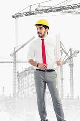Architekt mit Plänen auf der Baustelle