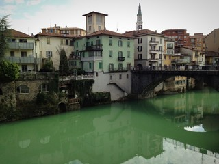 fiume e ponte