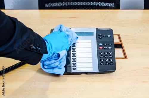 clean phone - 63130039