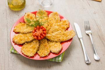 Fettine di pollo con panatura croccante di patatine fritte