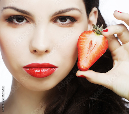 brunette lady with strawberry