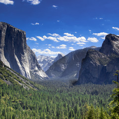 Tunnel View, Yosemite National Park, half dome and El Capitan