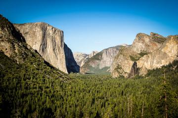 Tunnel View, Yosemite National Park, half dome and El Capitan