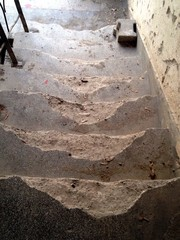 kaputte Treppe in alten Haus