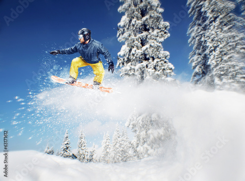 canvas print picture Mountain-skier jump