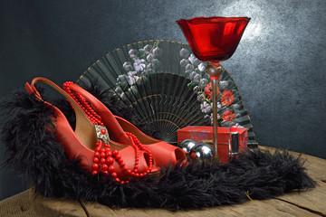 accessori donna rossi su fondo nero