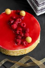 gâteau à la framboise et aux amandes 2